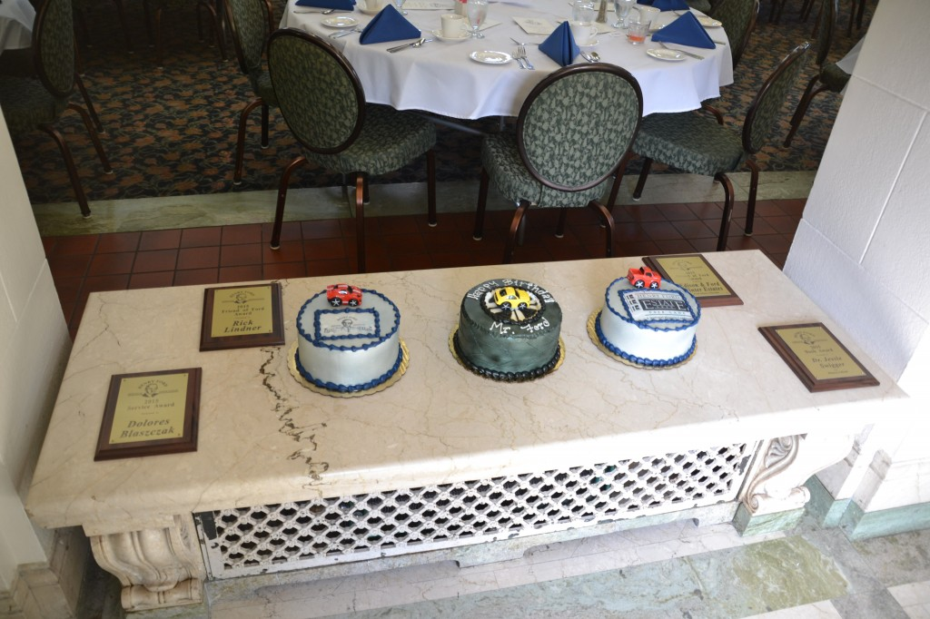 Cakes & Plaques