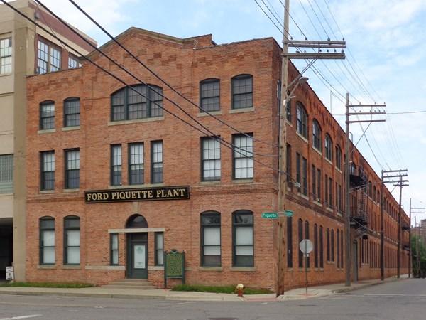 Ford_Piquette_Avenue_Plant_-_Front_Exterior1